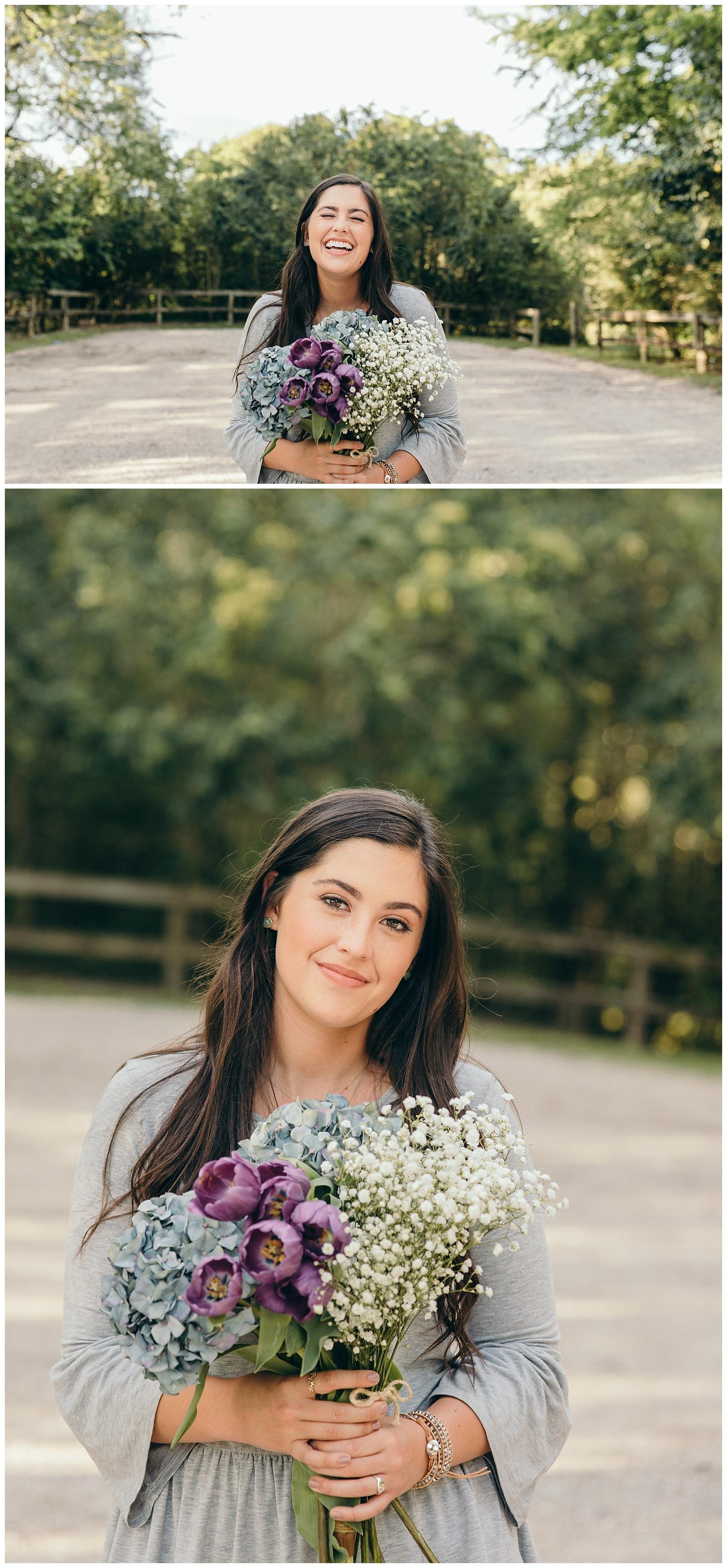 senior portraits with bouquet