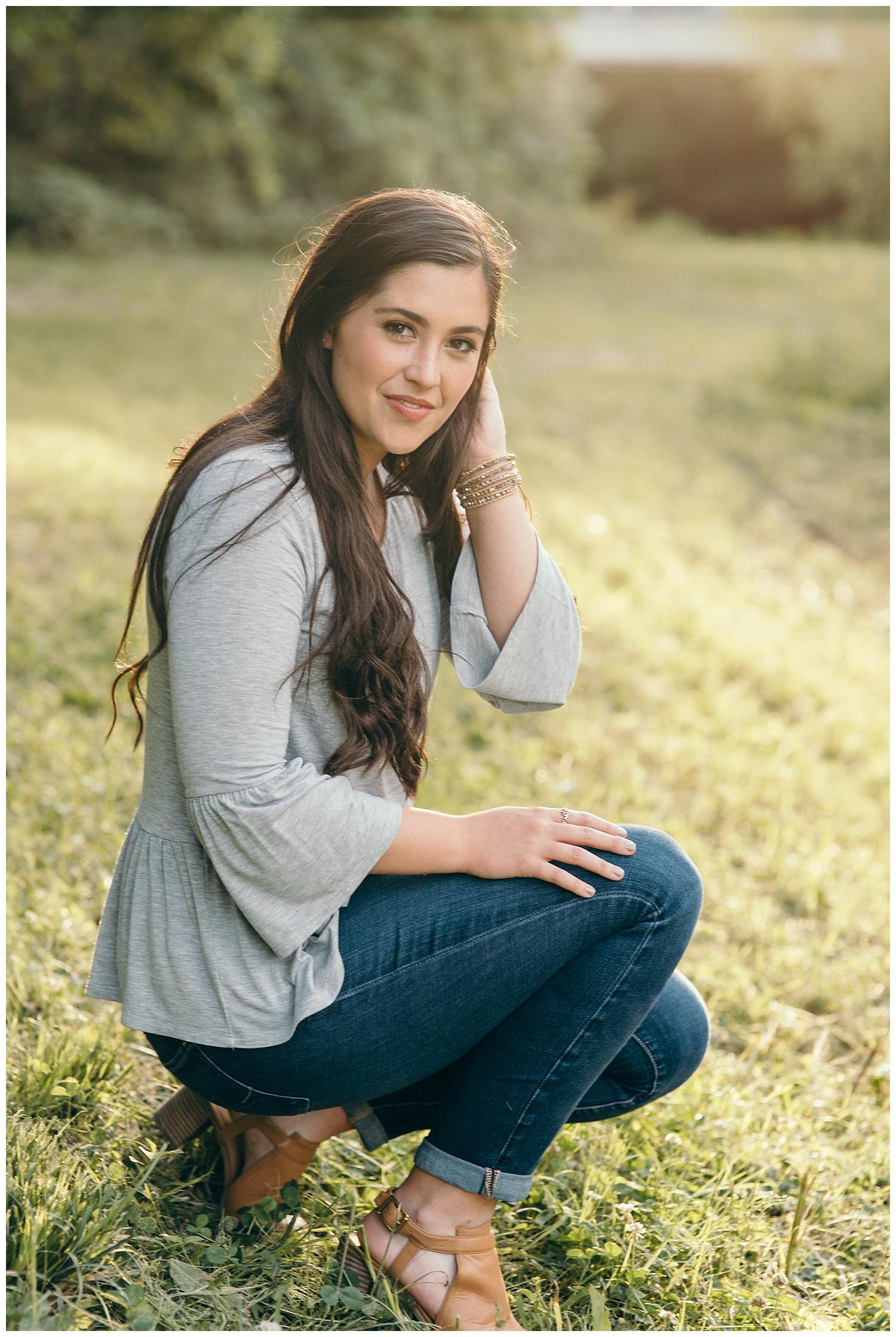 senior girl sitting pose